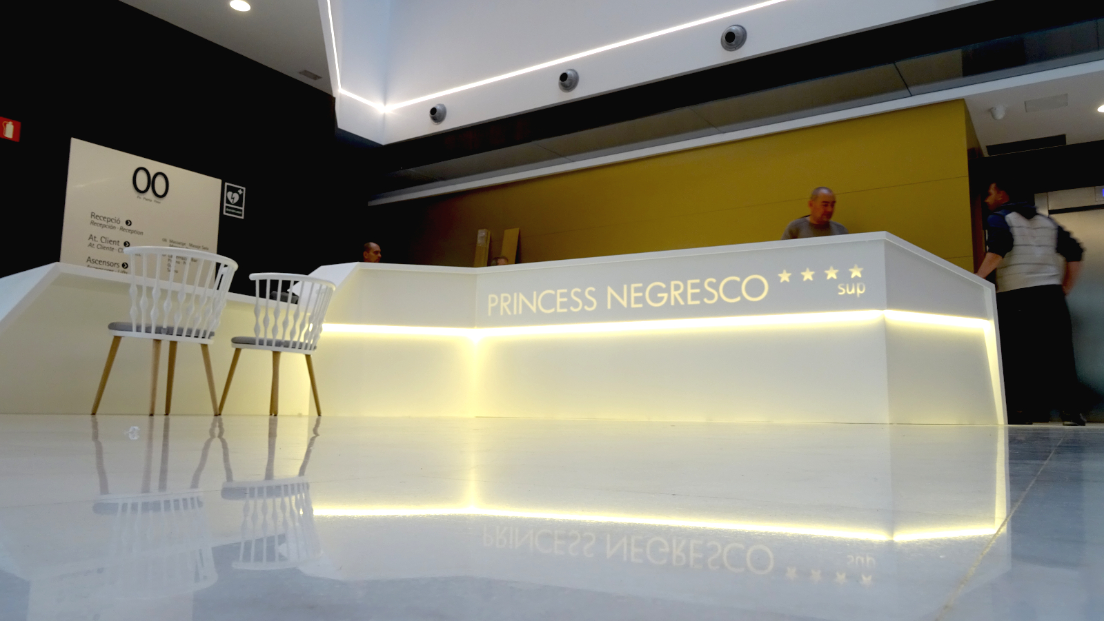 Mostrador- recepció- princess negresco bcn- Betacryl2
